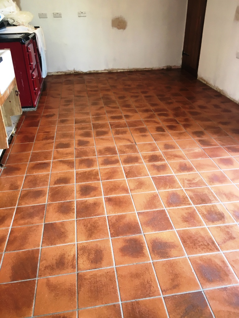 Cleaning A Quarry Tiled Kitchen At A Listed Building In Devon